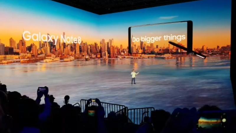 Galaxy Note8 ra mắt cấu hình cực mạnh, camera kép hơn hẳn iPhone7 Plus